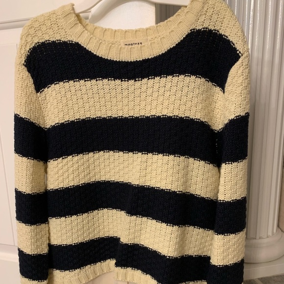 Monteau Sweaters - Sweater with silk bottom